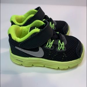 Nike Lunarglide 4 Infant Sneakers